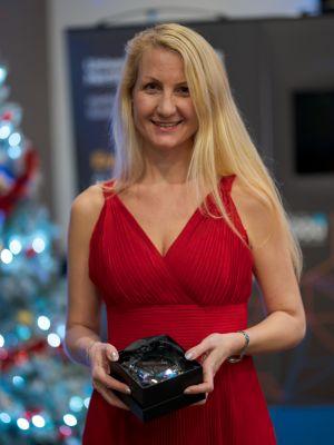 Clare Tamsitt receiving her alumni award
