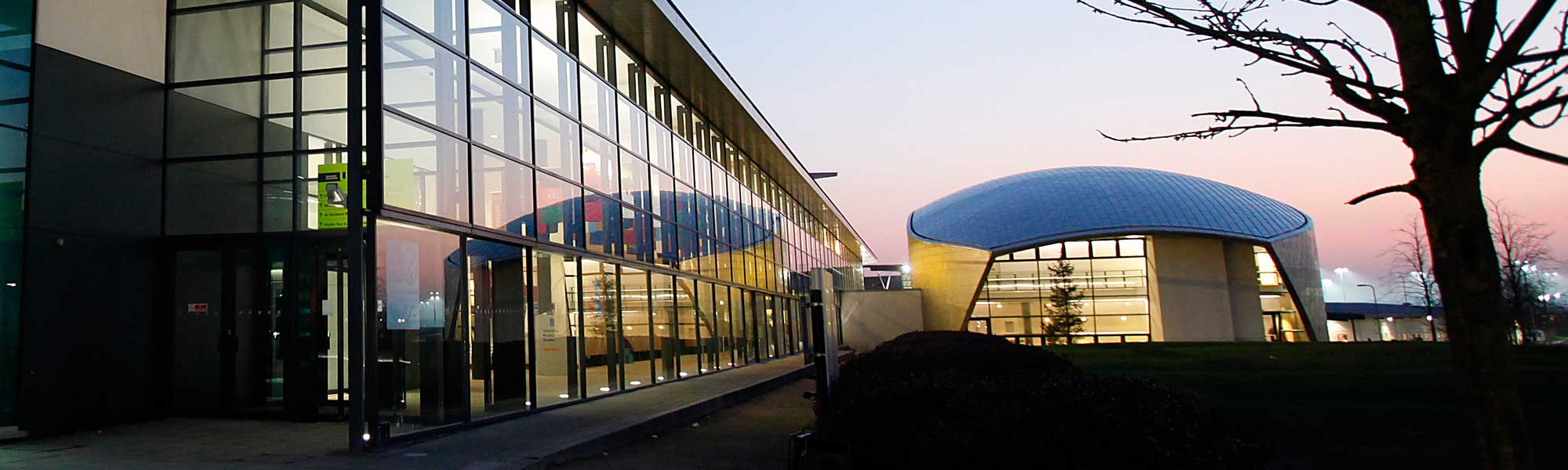 The Weston Auditorium, de Havilland campus