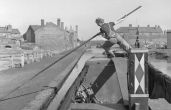 The Idle Women of the Wartime Waterways