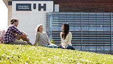 Students outside de Havilland